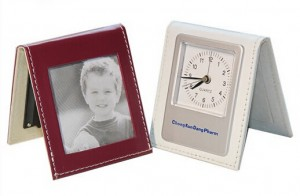 Clock with photo frame 8.5x7.5x2cm